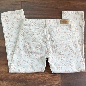 Levi's Printed Cropped Skinny Jeans size 24